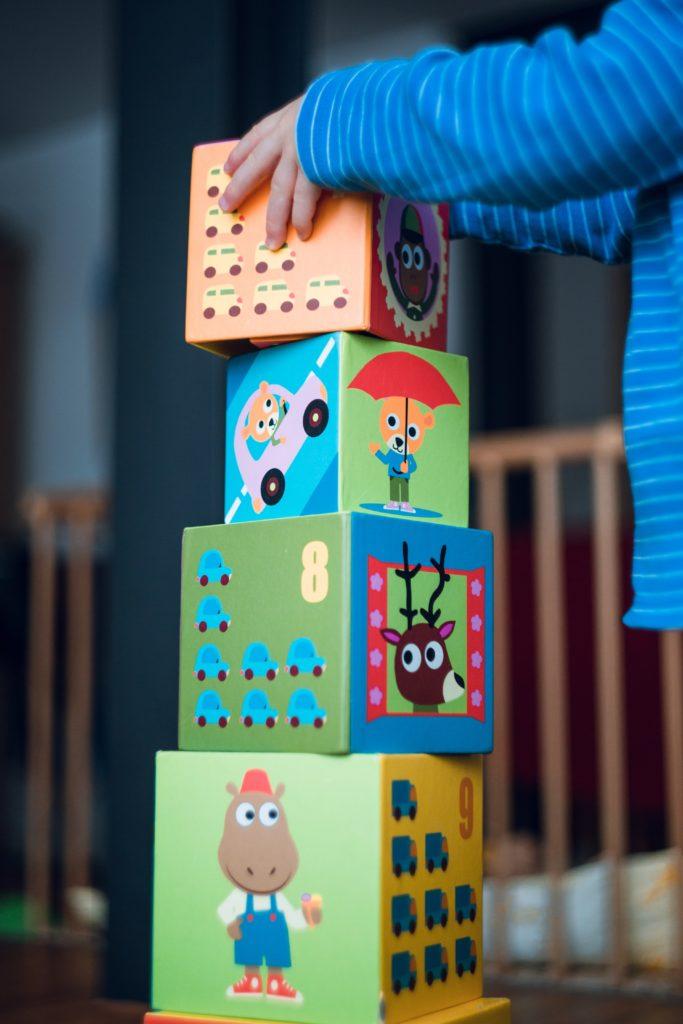 Kinder lernen am besten im freien Spiel.