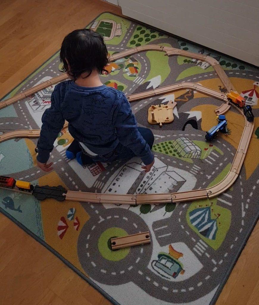 Sinnvolles Spielzeug, dass mitwächst. Brio-Bahn ist das perfekte Geschenk.