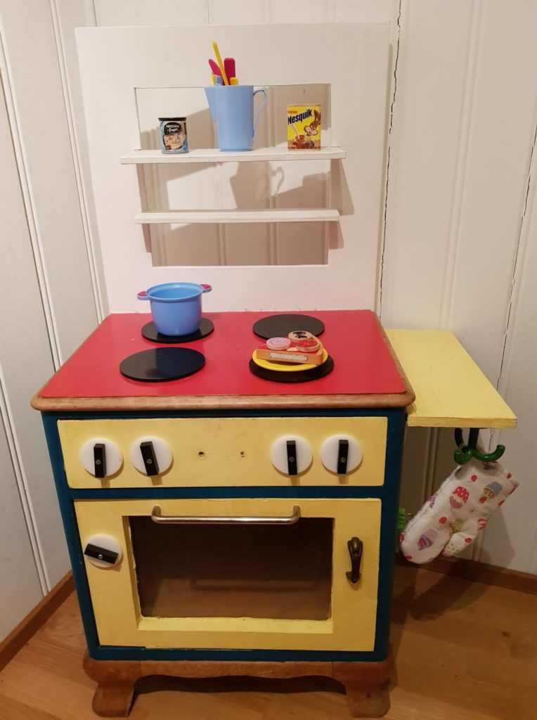 Die Spielküche gehört zu meinem top 6 der sinnvollsten Spielzeuge