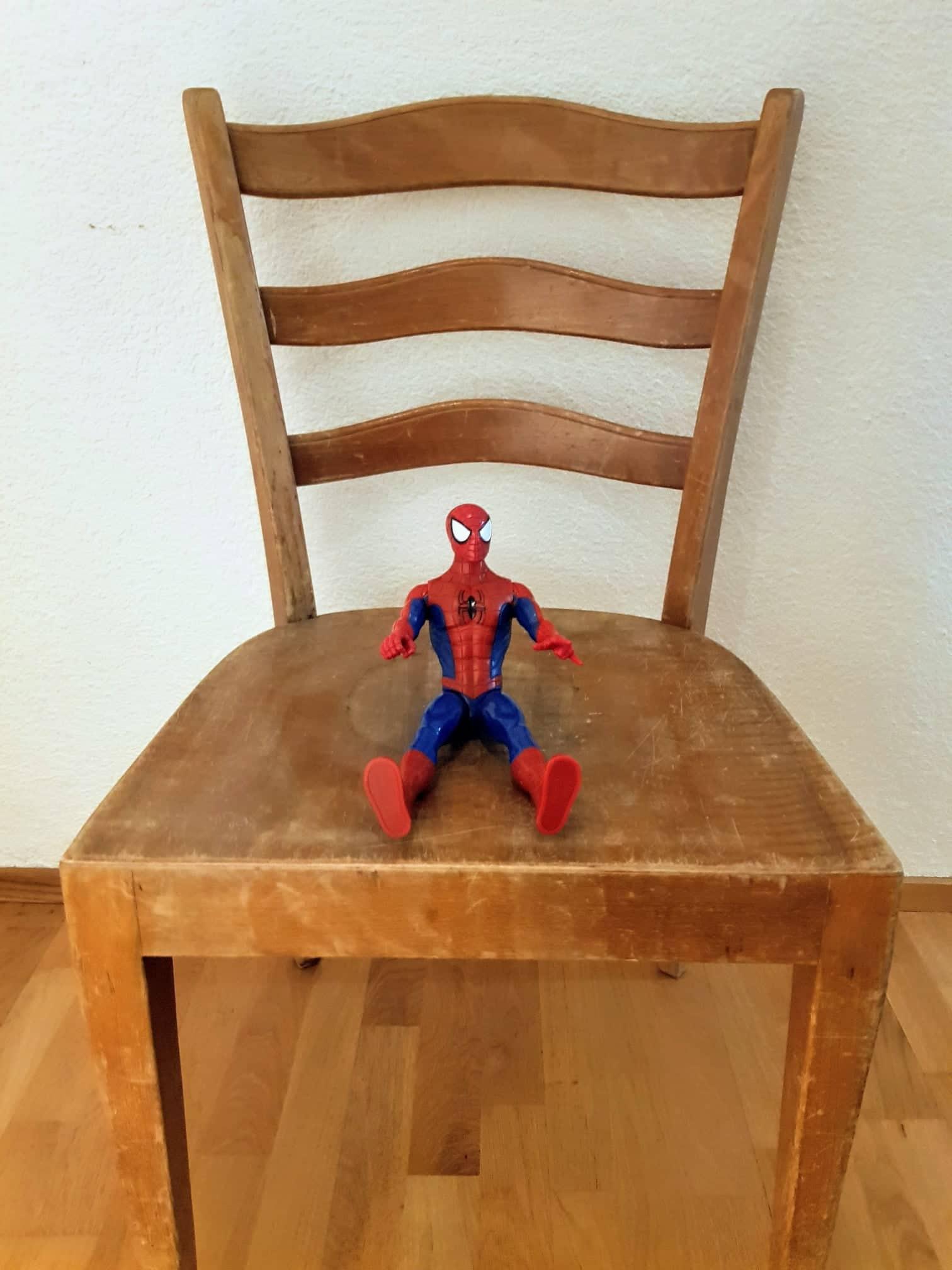 Stiller Stuhl – Kind nimmt eine Auszeit
